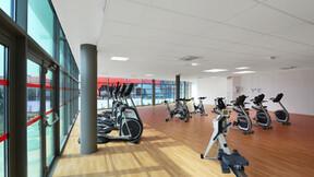Le Cap swimming pool fitness centre, Rockfon Color-all Charcoal, Ekla A-edge E-edge, leisure